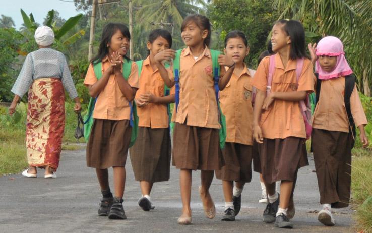 """Mewujudkan """"Kita Anak Indonesia, Kita Gembira"""": (Masih) Polemik Pekerjaan Rumah dan Hari Sekolah"""